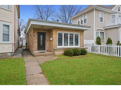 3722 W 63rd Place Chicago, IL MLS# 10942039
