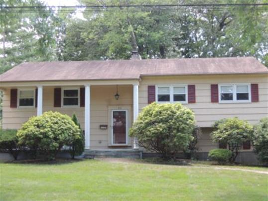 274 Colby Place, Paramus, NJ 07652