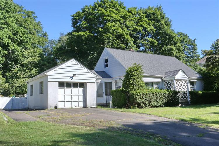 739 Mountain Ave, Wyckoff, NJ 07481