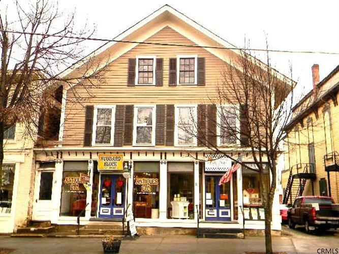 17-23 E MAIN ST, Cambridge, NY 12816