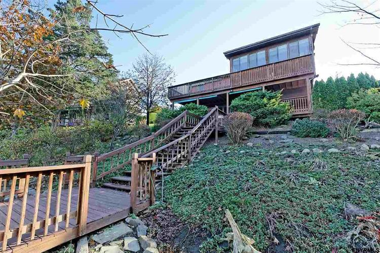 251 SLEEPY HOLLOW RD, Athens, NY 12015