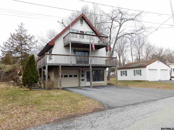 3 CROW ST, Schuylerville, NY 12871