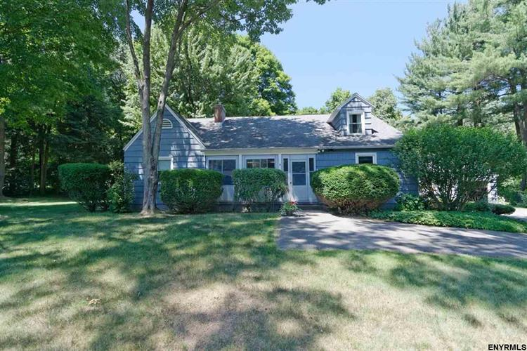 5 GARTNER DR, Ballston Lake, NY 12019
