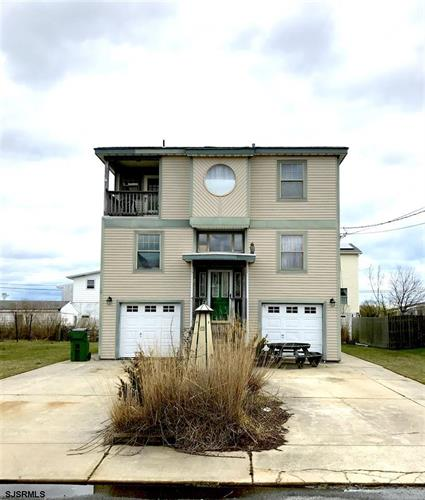 11 Point Dr, Egg Harbor Township, NJ 08234