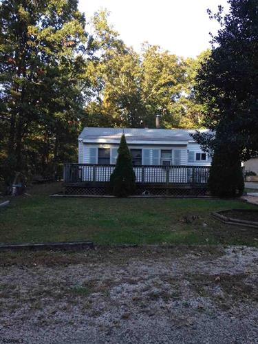 2 Harley Ave, Egg Harbor Township, NJ 08234