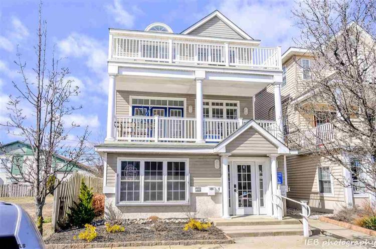 652 West Ave, Ocean City, NJ 08226