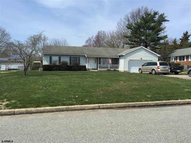 10 Hunter Dr, Newfield, NJ 08344