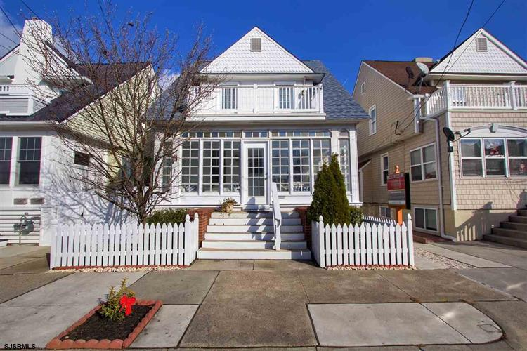 3 S Buffalo Ave, Ventnor, NJ 08406