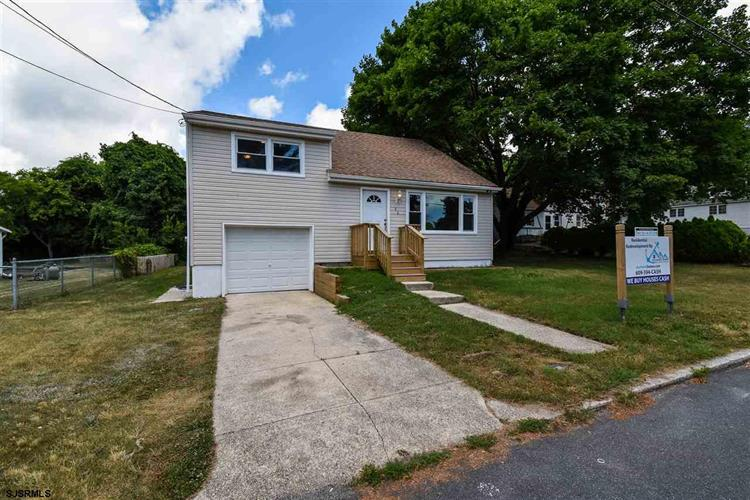 46 W Bolton Ave, Absecon, NJ 08201
