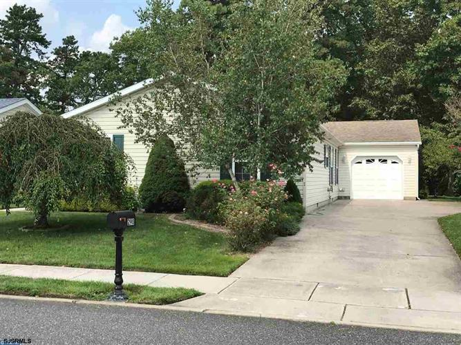 290 Pebble Beach Dr Dr, Mays Landing, NJ 08330