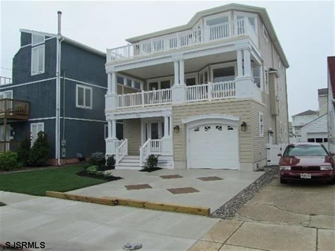 223 6th St N, Brigantine, NJ 08203