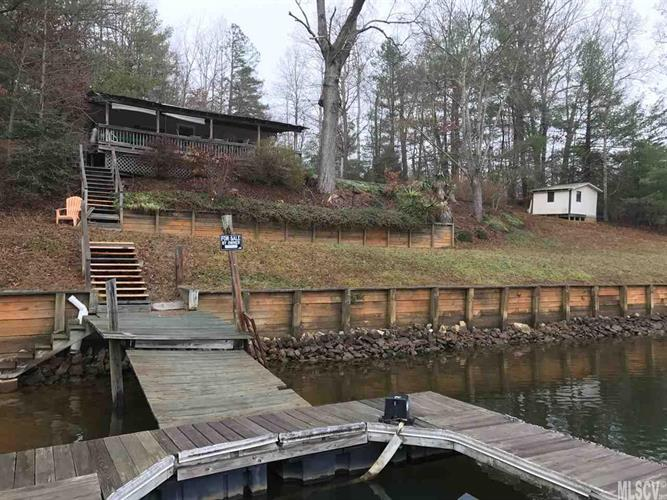 188 WATERSIDE DR, Taylorsville, NC 28681