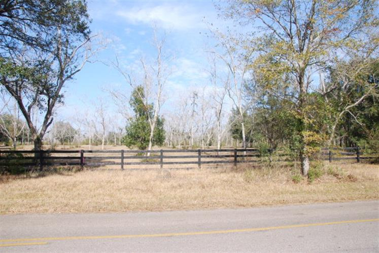 14877 Woodhaven Dairy Road, Summerdale, AL 36580