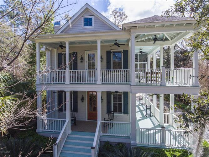 317 Islands Avenue, Beaufort, SC 29902