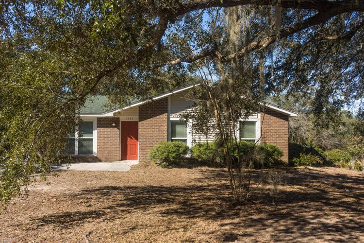 1504 Sycamore Street, Beaufort, SC 29902
