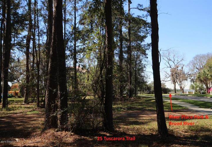 25 Tuscarora Trail, Beaufort, SC 29906