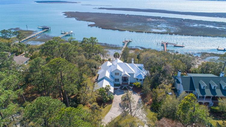 4 S Point Trail, Beaufort, SC 29907