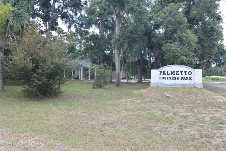 4 Kemmerlin Lane, Beaufort, SC 29907