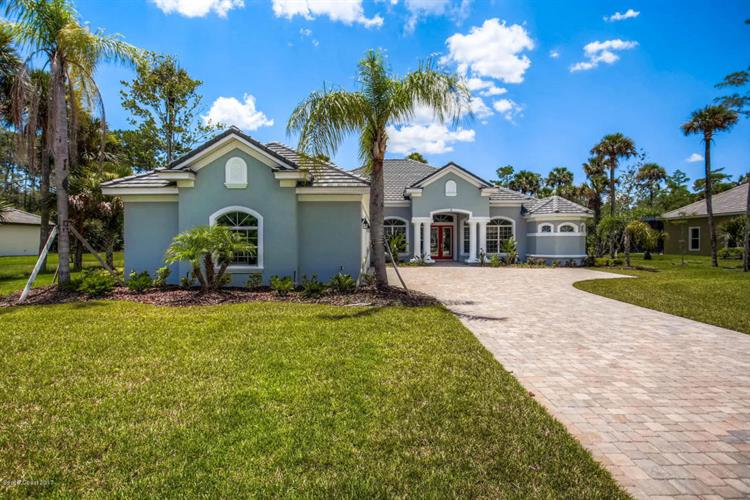 8 Humming Bird Lane, Palm Coast, FL 32164