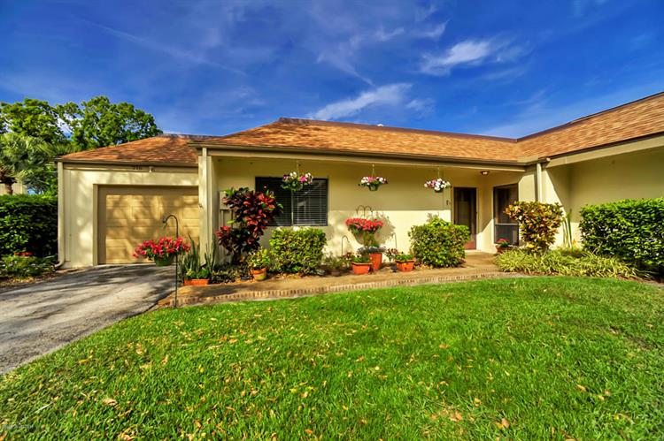 216 Country Club Drive, Melbourne, FL 32940