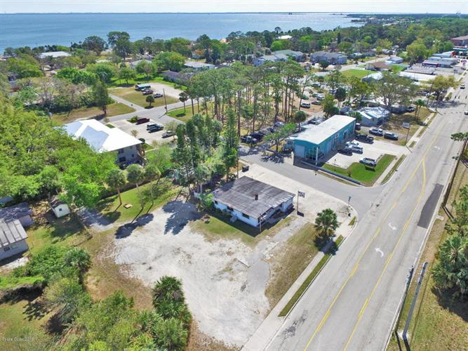 4111 S Hopkins Avenue, Titusville, FL 32780