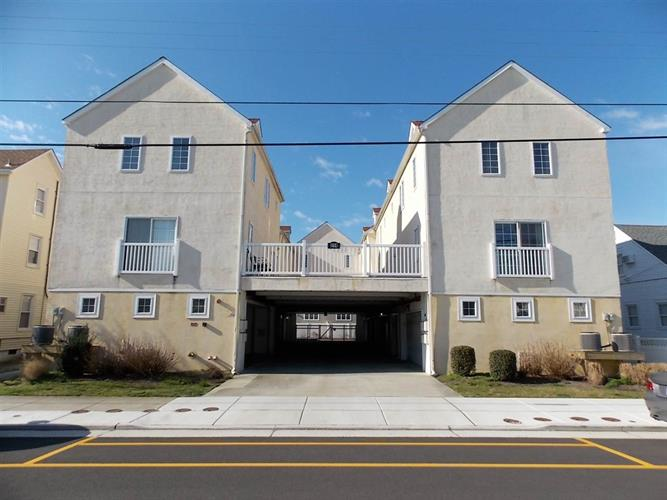 114 E Leaming Avenue, Wildwood, NJ 08260