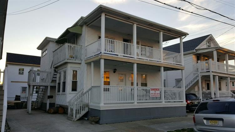 136 E Taylor Avenue, Wildwood, NJ 08260