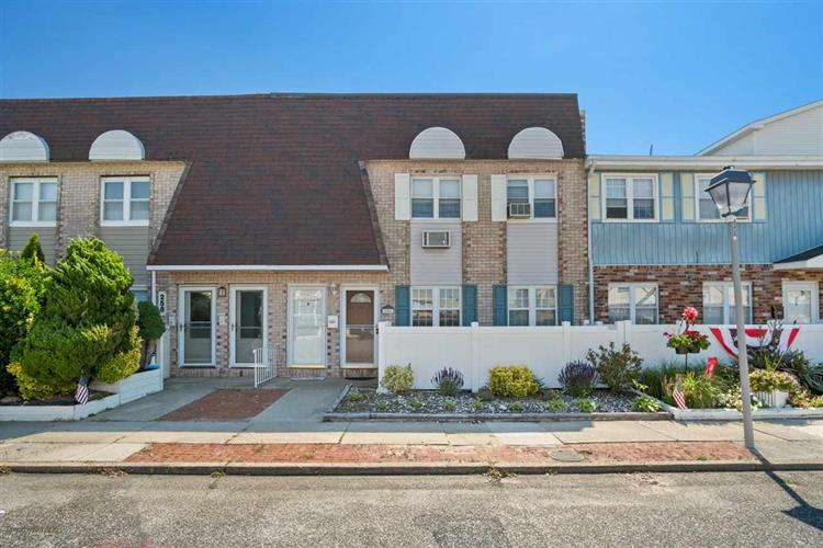 256 Seabreeze Court, North Wildwood, NJ 08260