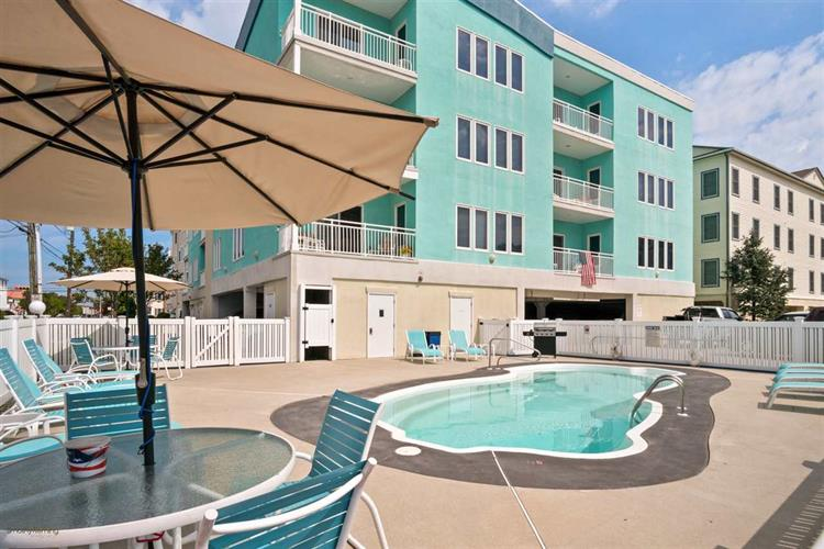 7504 Ocean Avenue, #302, Wildwood Crest, NJ 08260