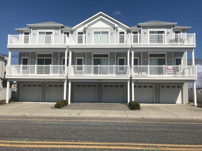 229 E Lincoln Avenue, Wildwood, NJ 08260