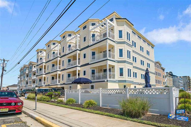 415 E Stockton Road, Wildwood Crest, NJ 08260