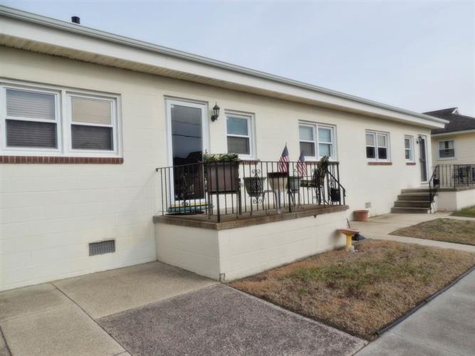 327 W Maple Avenue, Wildwood, NJ 08260 - Image 1