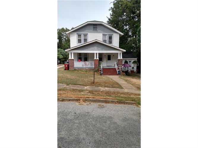 311  Royal Oak Ave, Colonial Heights, VA 23834