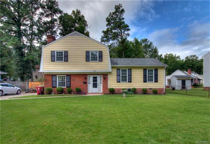309  Brookedge Dr, Colonial Heights, VA 23834