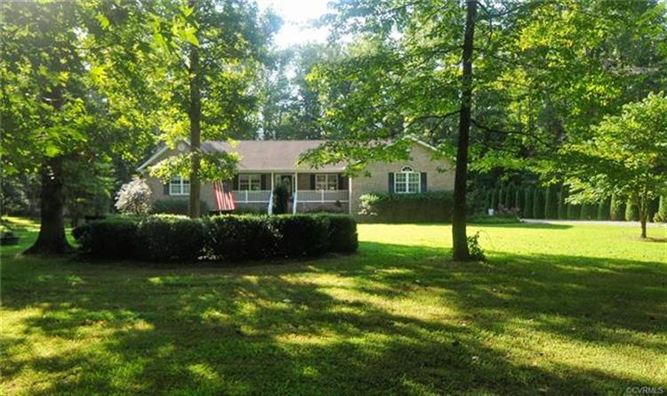 395  Holly Haven Rd, Weems, VA 22576 - Image 1