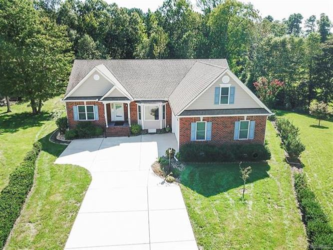 9337  Mission Hills Ln, Chesterfield, VA 23832 - Image 1