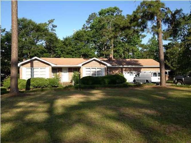 100 Country Club Boulevard, Summerville, SC 29483