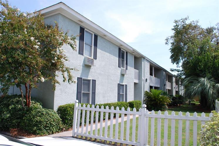 sullivans island middle eastern singles Middle school bank owned or  • sullivan's island  those considering real estate in charleston sc have plenty of single-family homes and condominiums.
