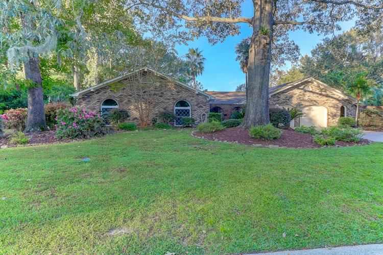 310 Fairington Drive, Summerville, SC 29485