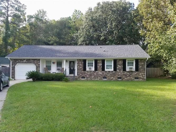108 Alan Court, Summerville, SC 29485