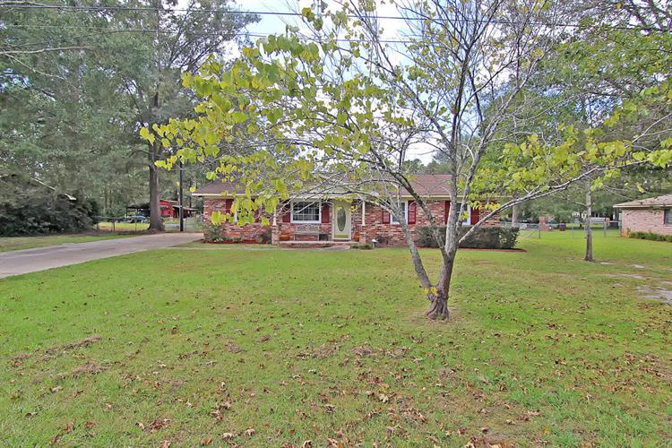 110 Rebellion Road, Summerville, SC 29483