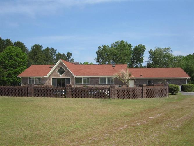 2170 Thompson Drive, Manning, SC 29102