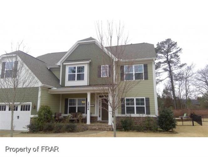 2504 THORNGROVE CT, Fayetteville, NC 28303