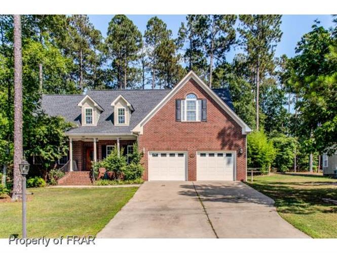 135 WATEREDGE LN, Sanford, NC 27332