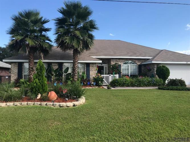 28 Forest Grove Drive, Palm Coast, FL 32137