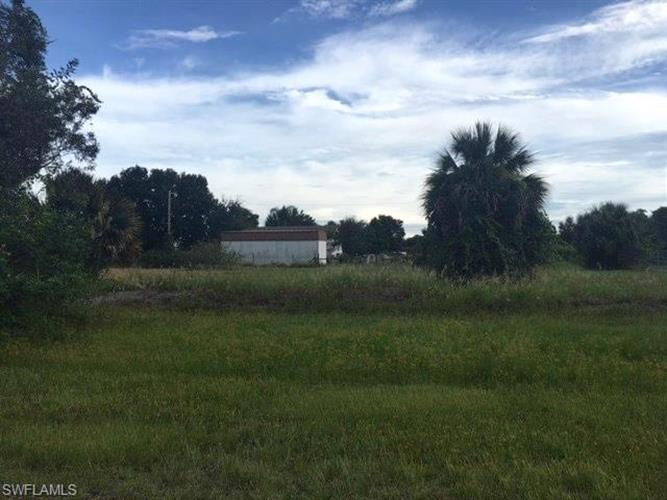 2503 49th ST SW, Lehigh Acres, FL 33976