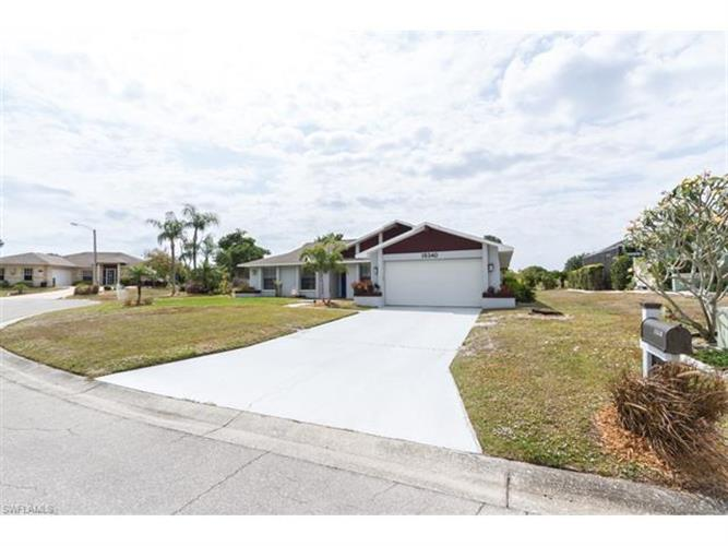 15340 Sam Snead LN, North Fort Myers, FL 33917