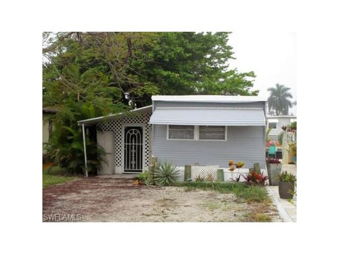63 Nancy LN, Fort Myers Beach, FL 33931