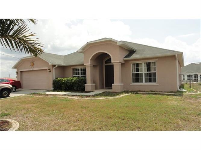 612 Wilmington PKY, Cape Coral, FL 33993