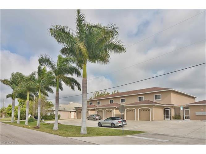 1315 SW 47th TER 1, Cape Coral, FL 33914